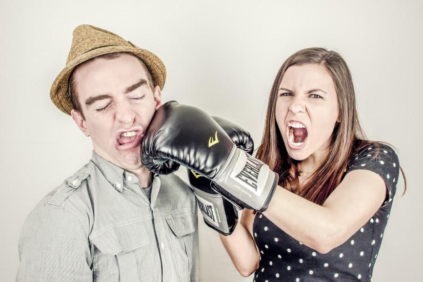 argument-boxing-conflict-343-825x550